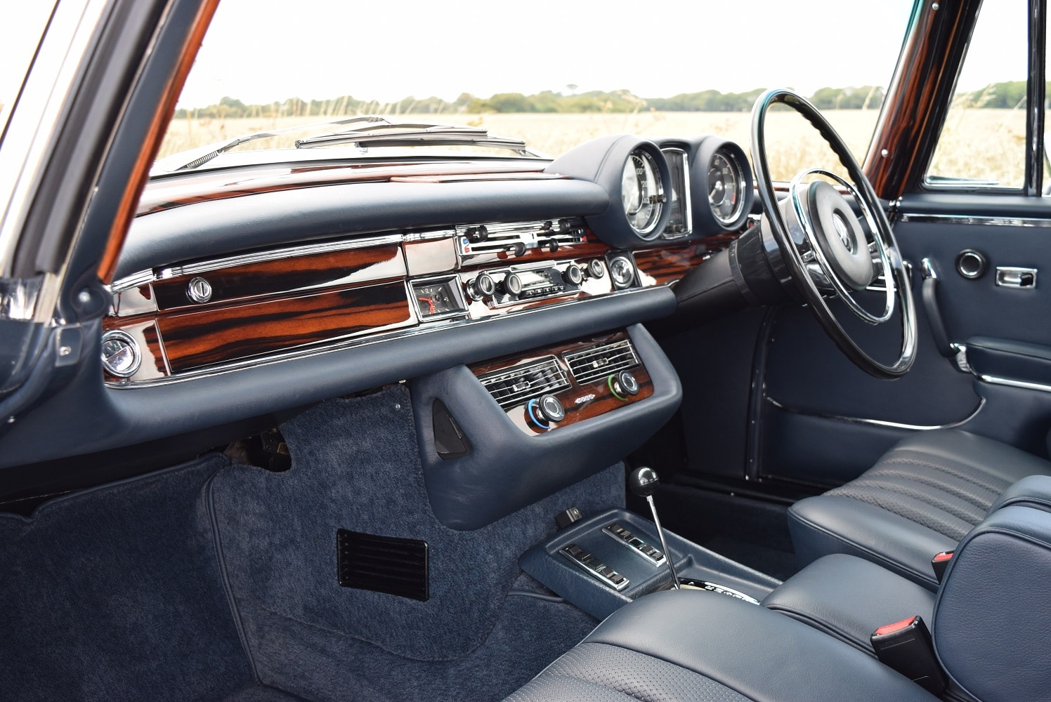 Interior view of Mercedes-Benz 280SE/9 3.5 CPE