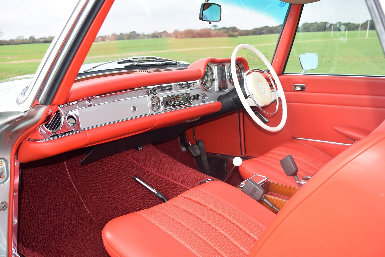 Mercedes 280SL/8 Pagoda red leather interior fully restored