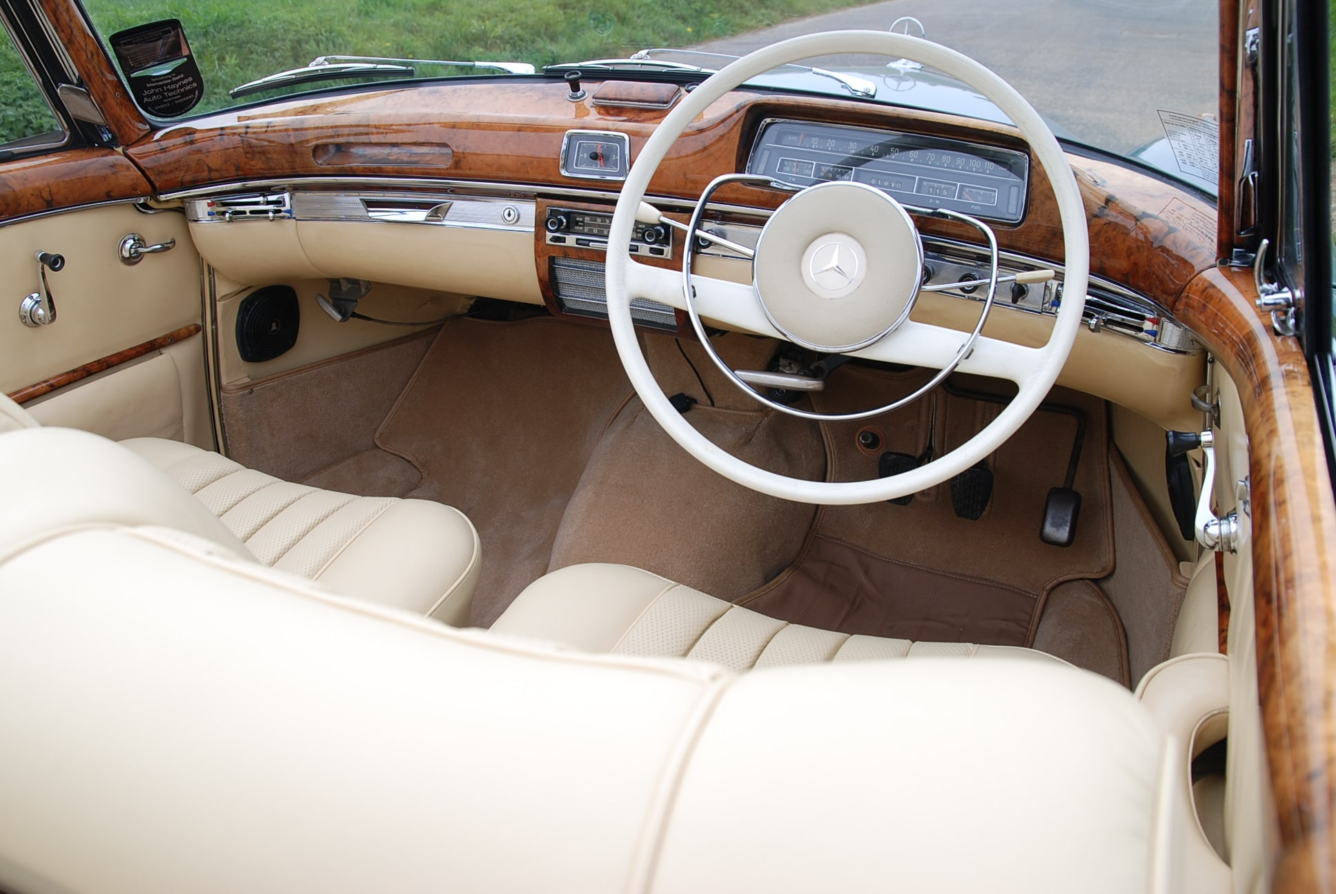 one of only 28 right-hand Mercedes 220SE Ponton Cabriolet