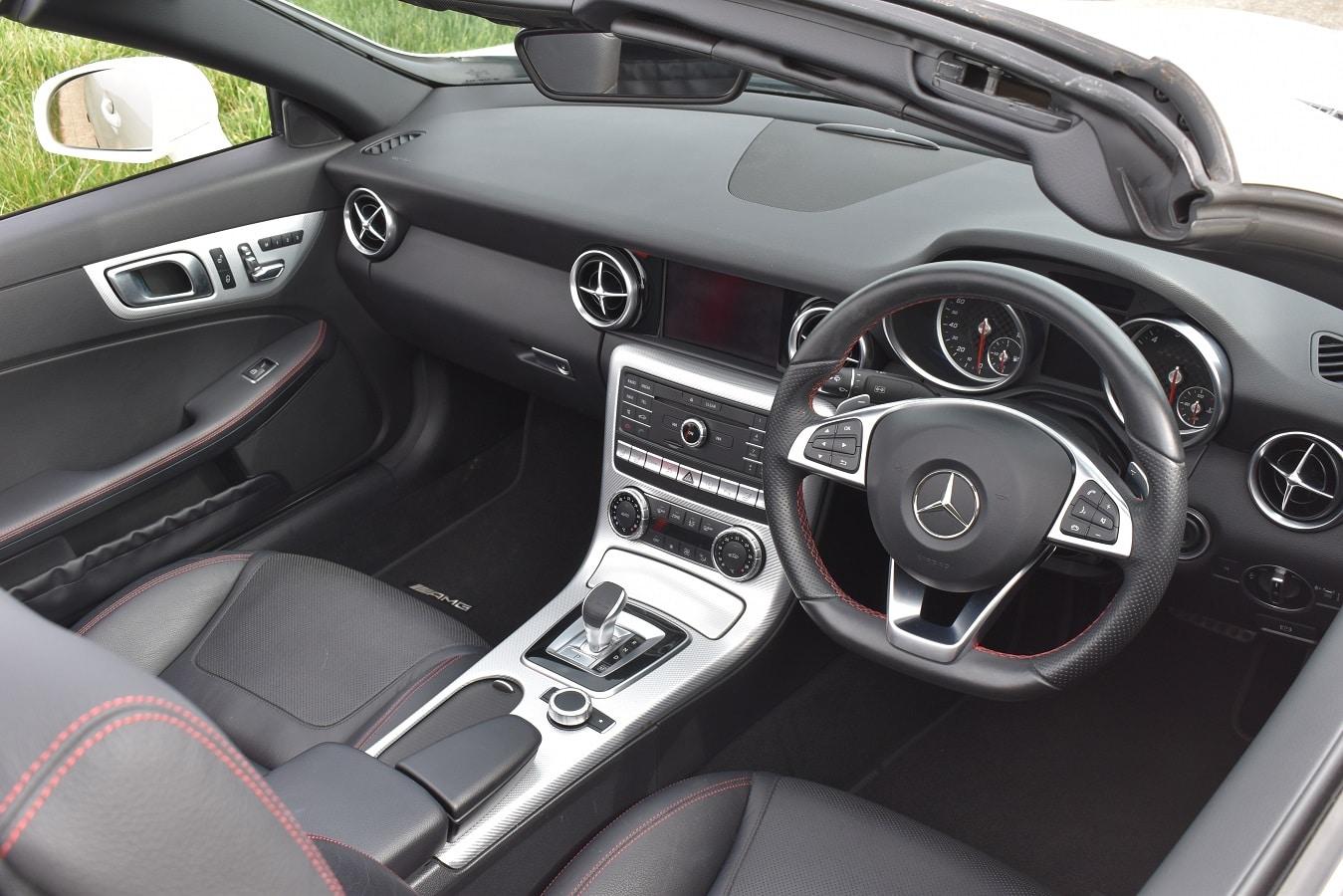 2017 Mercedes SLC 200 Roadster in Diamond White Metallic