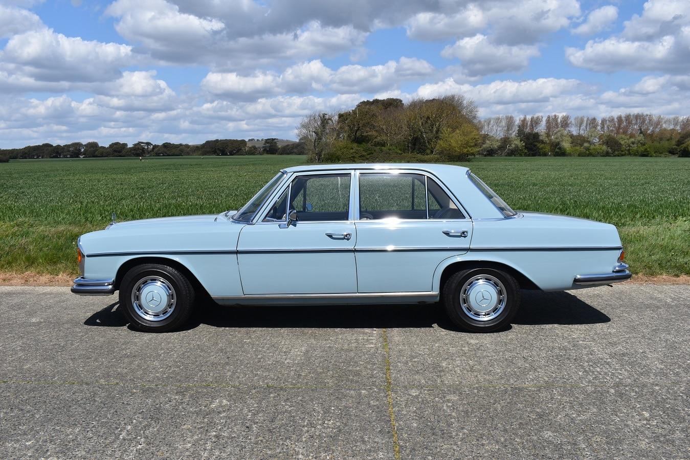 1971 Mercedes-Benz 280SE/8 in Horizon Blue