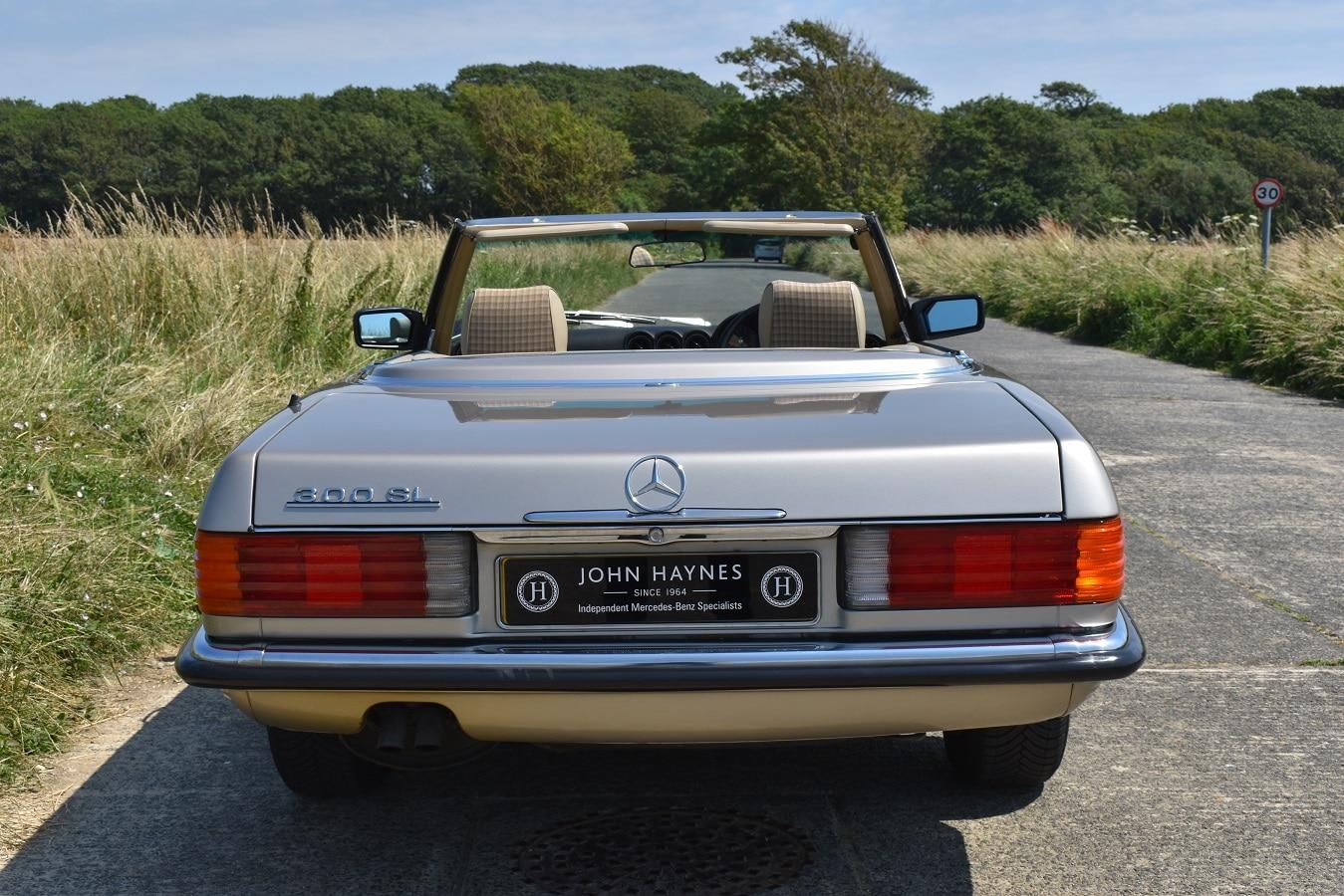 1989 Mercedes-Benz-300SL in Smoke Silver Metallic